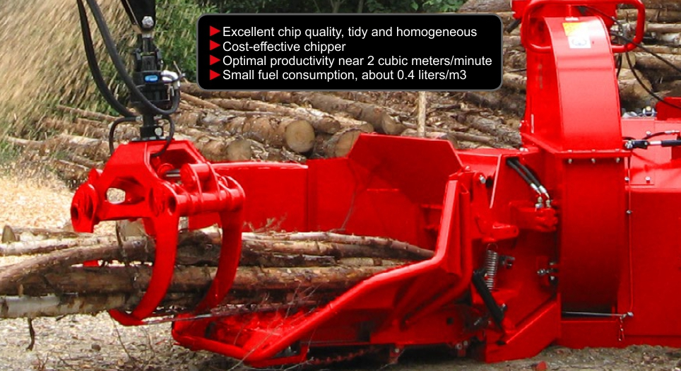 FarmiForest CH380 chipper fed with small trees
